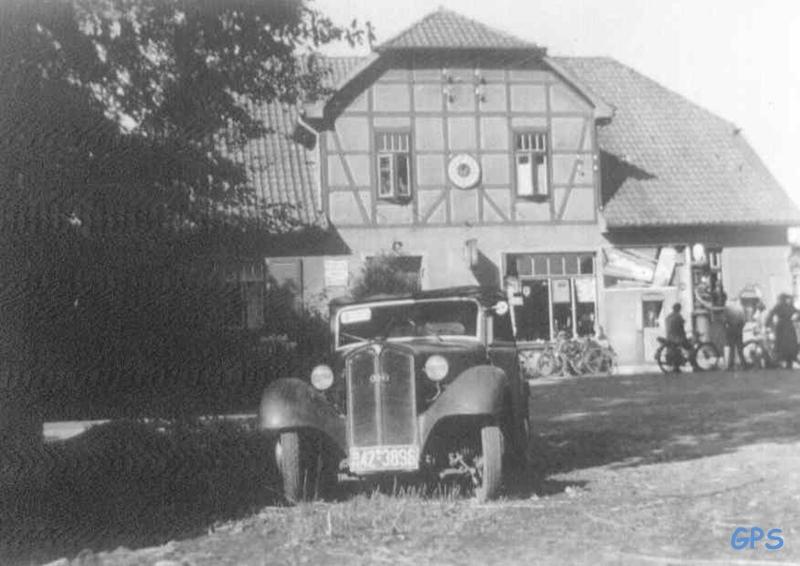 Historische Aufnahme Praxis Sülze - Dienstwagen
